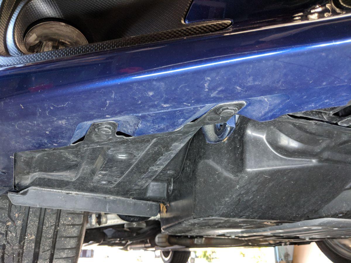 Bottom of bumper clips