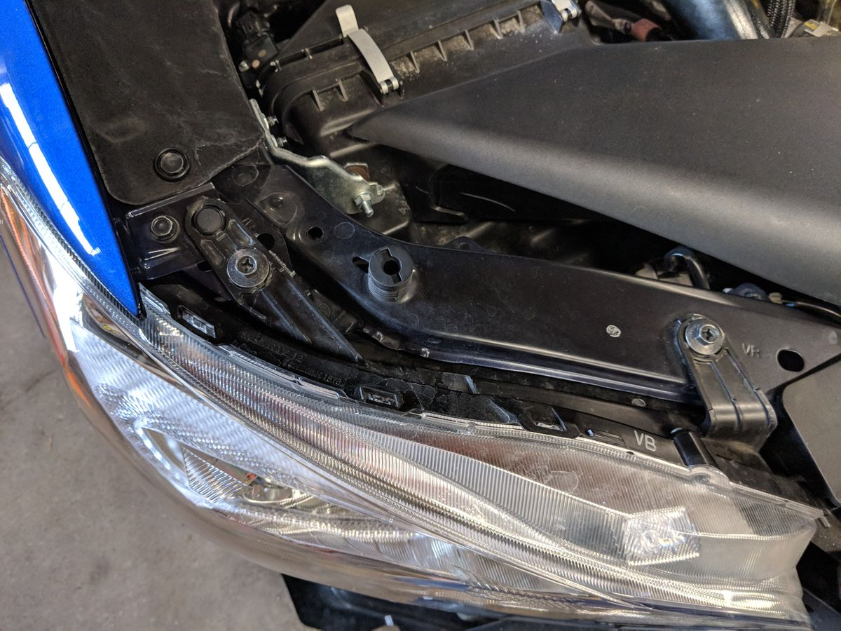 Headlight bolts and clip