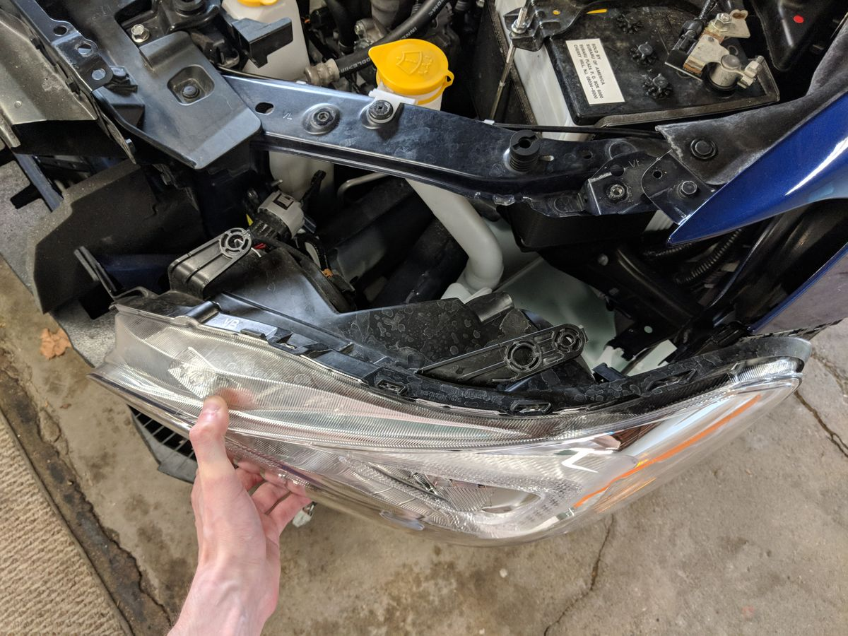 Headlight unbolted