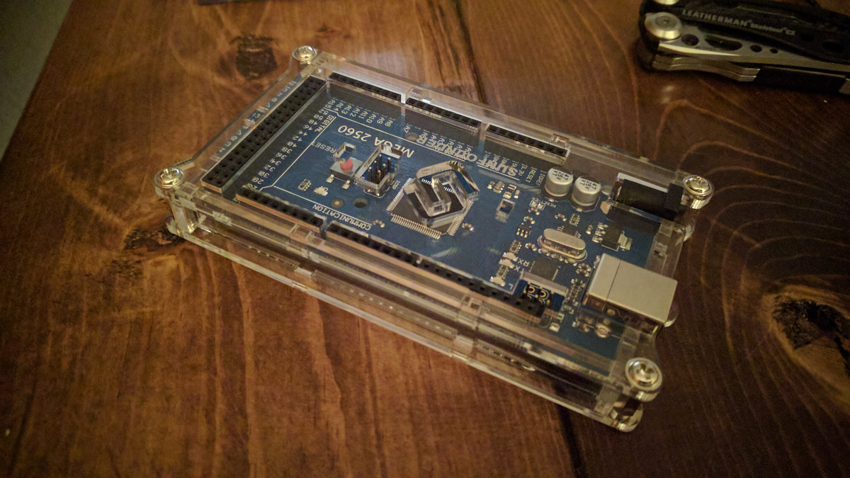 The SunFounder Mega 2560 case installed